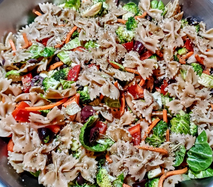 Healthy Pasta Salad On The Go